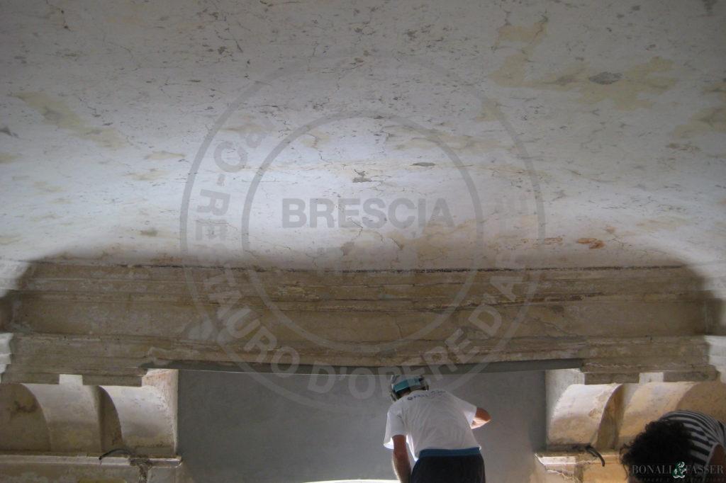 Palazzo Savoldo, salone intervento di consolidamento e stuccatura