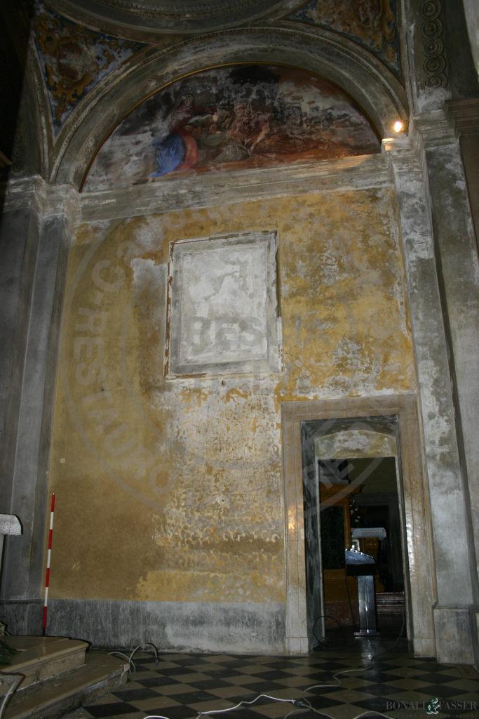 Parete laterale destra prima del restauro