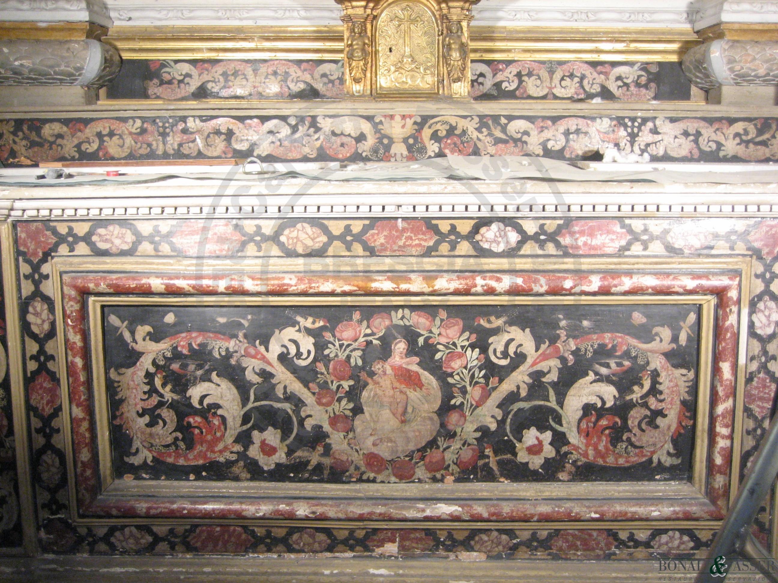 Dettaglio del paliotto prima del restauro