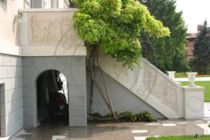 Palazzo Savoldo, scala esterna sul parco