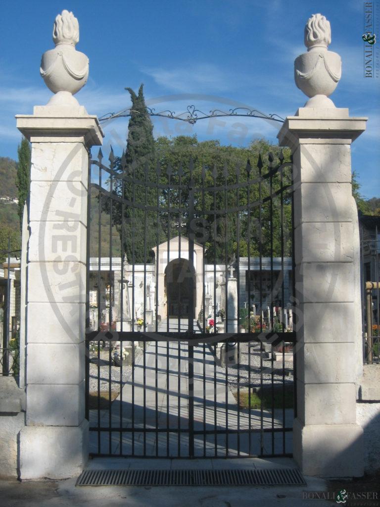 Marcheno, Portale Cimitero