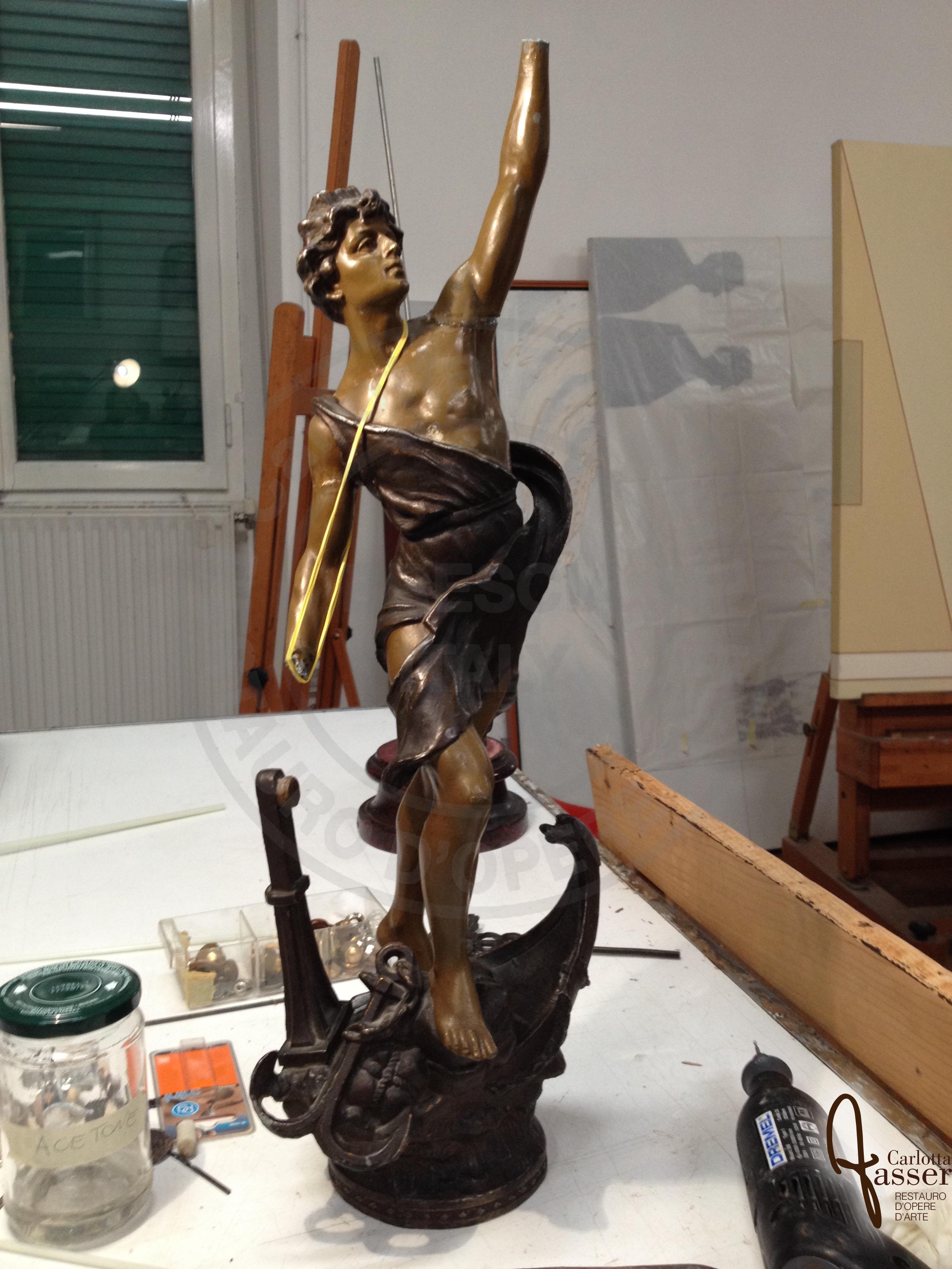 Ripresa del totale all'inizio dell'intervento di restauro